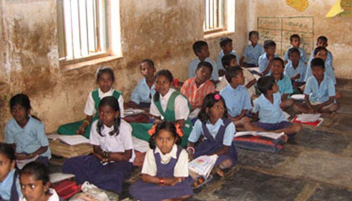 চাপের মুখে শিক্ষানীতির খসড়ায় বদলের ভাবনা মোদী সরকারের