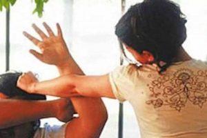 আলুর তরকারি খেতে না চাওয়ায় স্বামীকে পিটিয়ে হাসপাতালে পাঠালেন স্ত্রী!