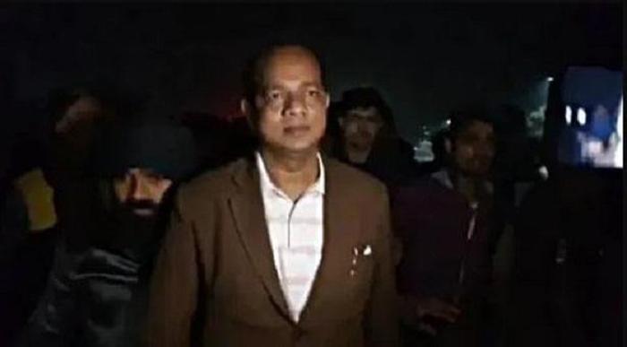 শ্রম প্রতিমন্ত্রী জাকির হোসেনের উপর ভয়াবহ বোমা হামলা (দেখুন সেই ভিডিও) - West Bengal News 24