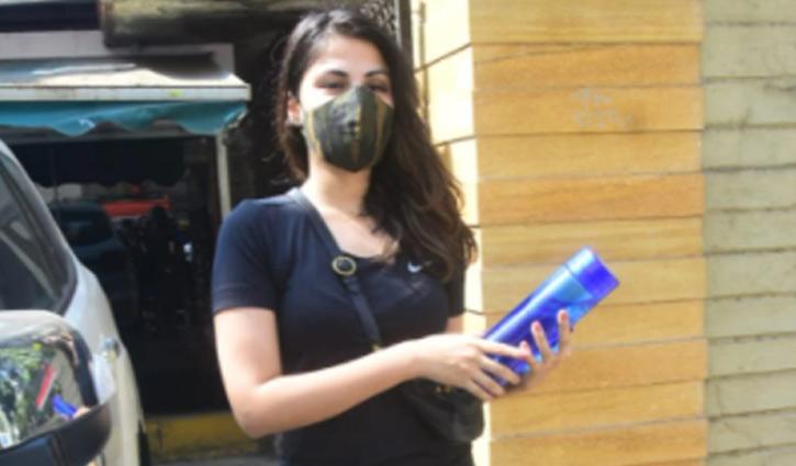 Rhea Chakraborty : সুশান্তের শোক কাটিয়ে উঠছেন রিয়া! - West Bengal News 24