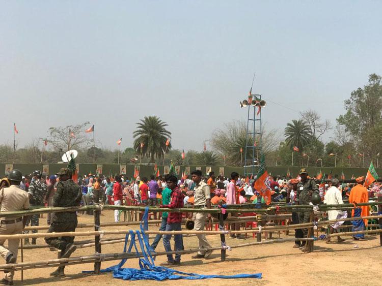 ঝাড়গ্রামে ফাঁকা মাঠে ভার্চুয়ালি বক্তৃতা আমিত শাহের - West Bengal News 24