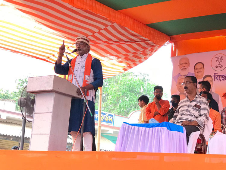 West Bengal Assembly Election 2021 : অনুমতি ছাড়াই বিজেপির সভা, শুভেন্দুকে ফেরাল পুলিশ - West Bengal News 24