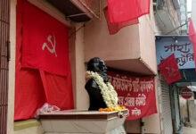 সদ্য সমাপ্ত নির্বাচনের পরাজয় মাথায় নিয়েই করোনা পরিস্থিতি মোকাবেলায় রেড ভলেন্টিয়ার গঠনের মাধ্যমে মানুষের সেবায় - West Bengal News 24